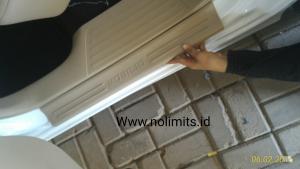 Sill plate Samping cream plastik mobilio